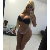 Cecibel Vogel - Various curvy sexy cleavahe busty pictures