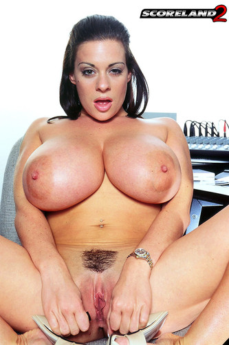 Linsey Dawn McKenzie – Huge Tits HH-cup Linsey the bra saleswoman