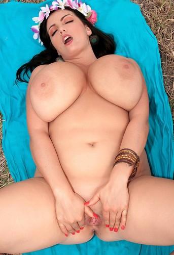 Arianna Sinn   Hottest Busty Jackumentary